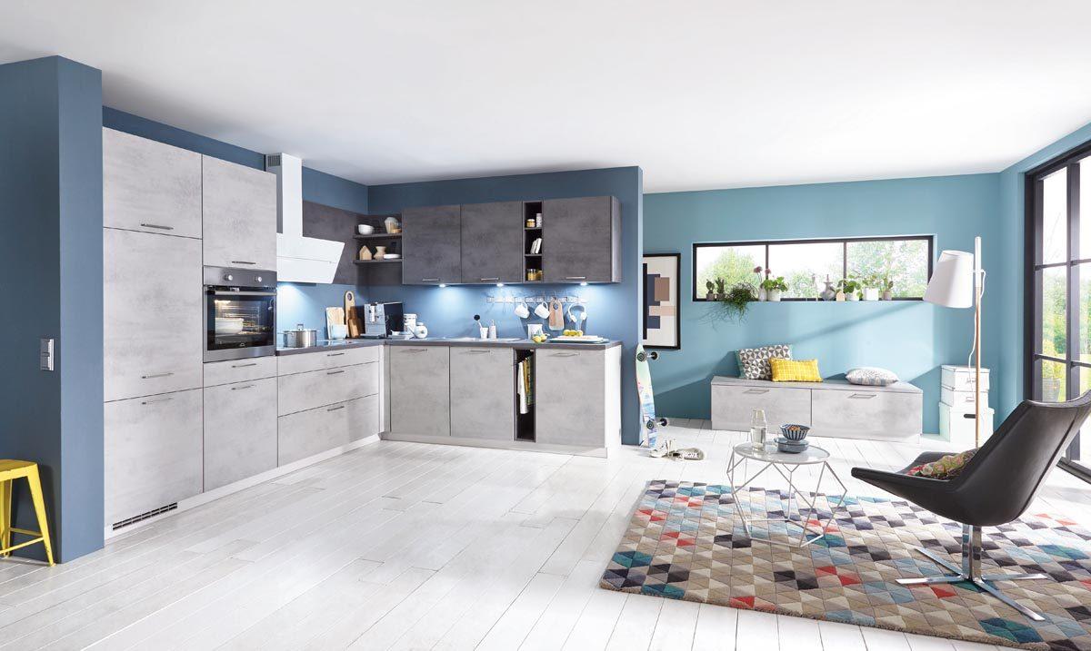 Kassische L-Küche in Betonoptik in Kombination mit schiefergrauen Arbeitsplatte; Foto: nobilia