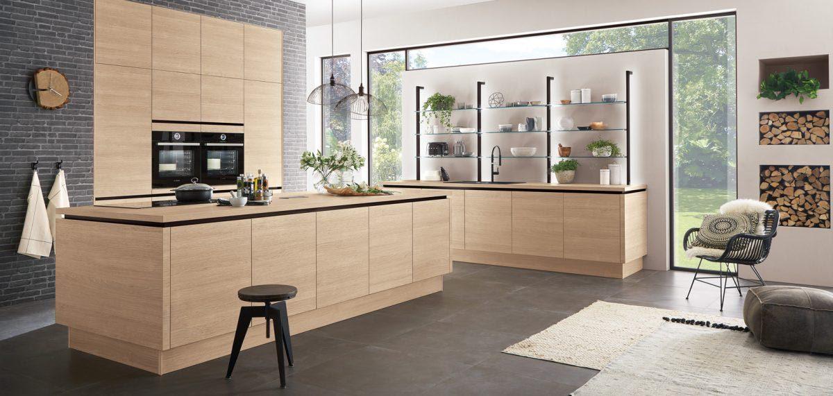 Grifflose Küche Riva 887 mit Fronten in Eiche Sommerset Nachbildung; Foto: nobilia