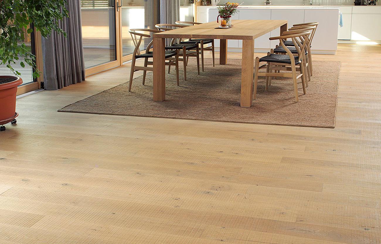 Parkettboden in der Küche: Holzarten, Versiegelung, Vor- und ...
