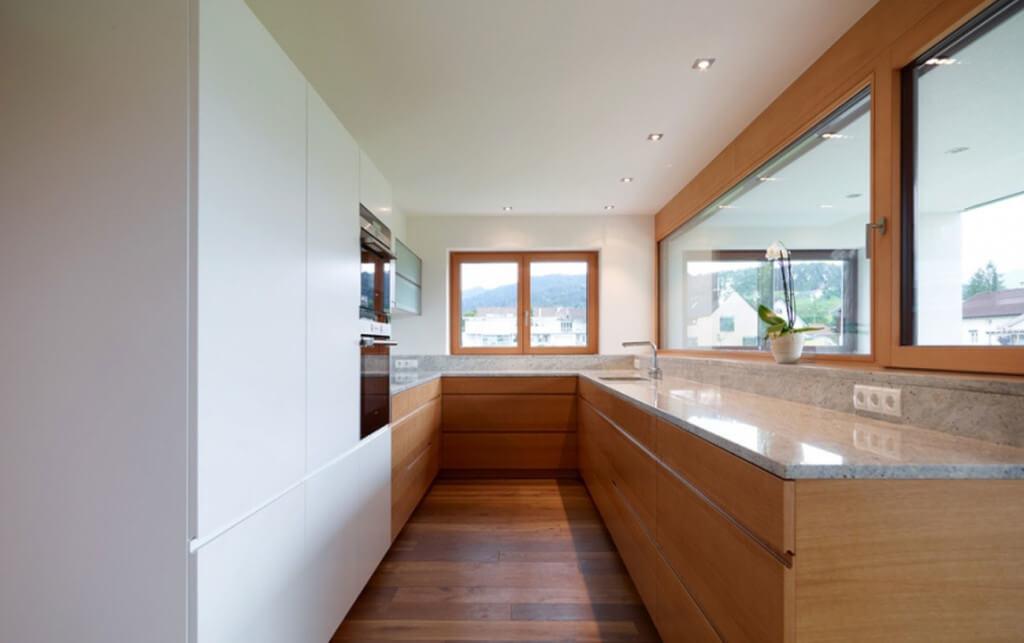 Schmale Küche von Tischlerei Sigg, Foto: Tischlerei Sigg