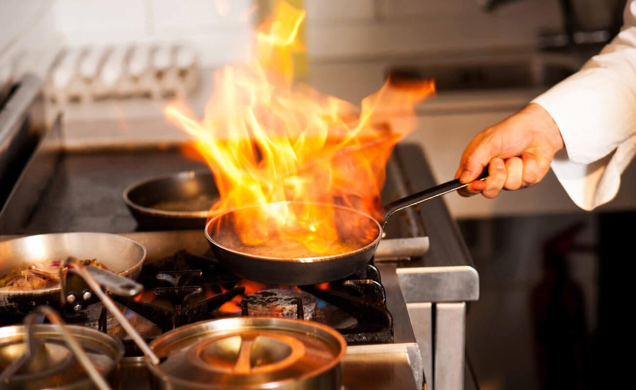 Das Geheimnis Der Blauen Flamme Warum Profikoche Gasherde