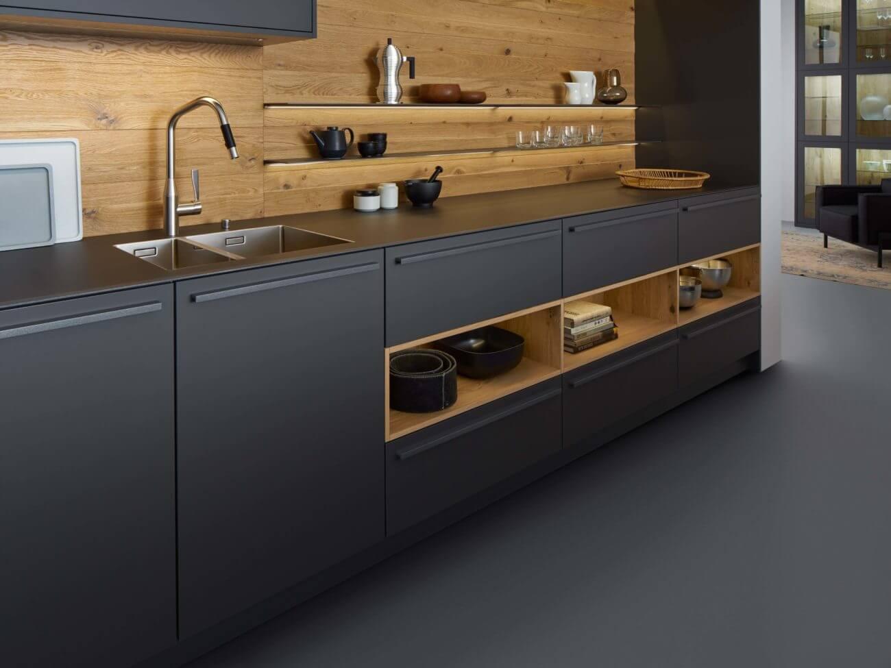 LEICHT Küche mit Rückwand aus Holz, Foto: LEICHT