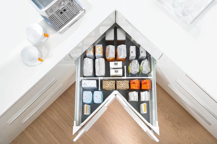 Eckschrank in der Küche: Lösungen (Halbschrank, Karussell ...