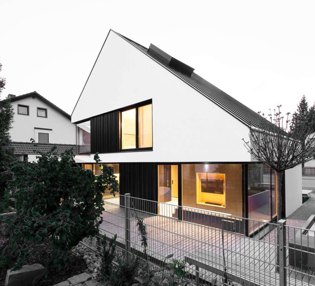 Schwarze Designer-Küche: Moderne Küche Im Skandinavischen