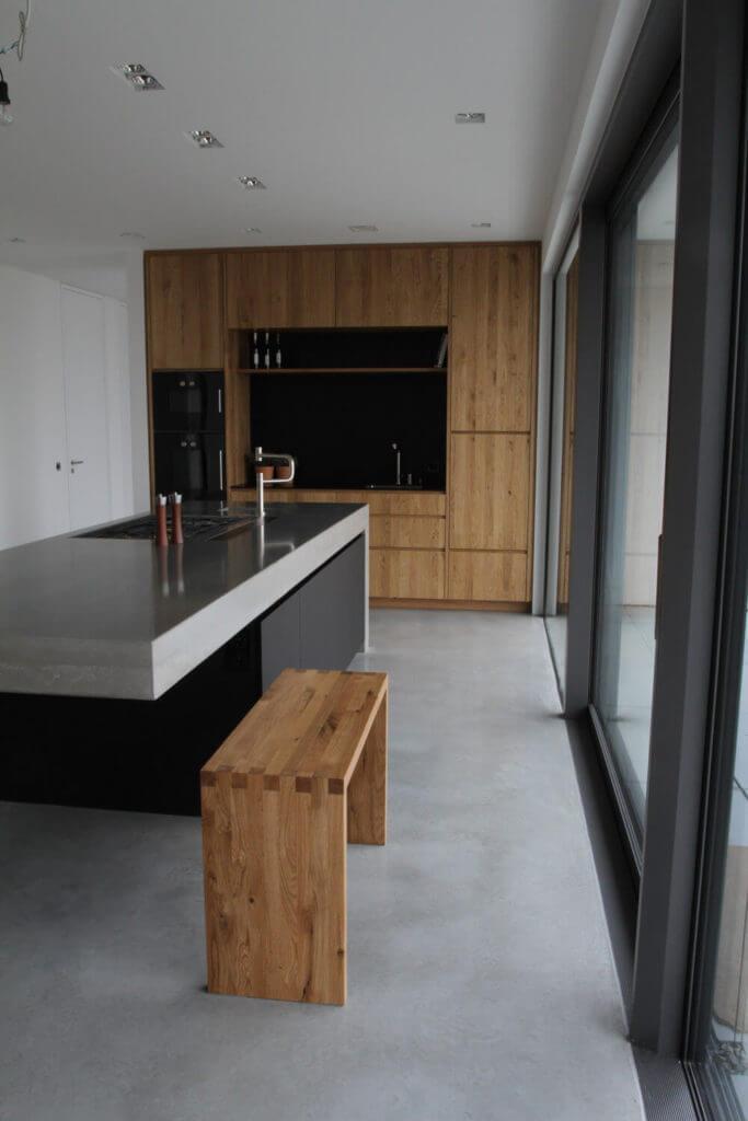 Moderne Betonkuche Kombiniert Mit Holz Und Elektrogeraten Von