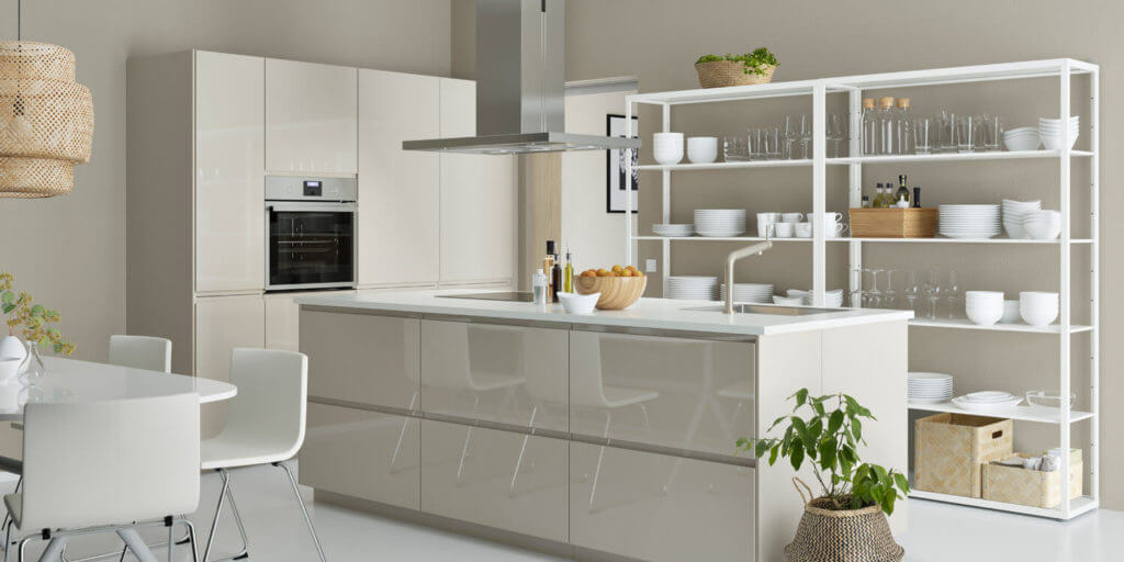 IKEA-Küche mit Hochglanz-Fronten, Foto: Inter IKEA Systems B.V.