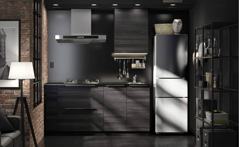 Kleine schwarze Küchenzeile von IKEA
