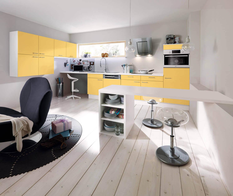ideen f r die k chen farbgestaltung 11 bilder von farbigen alno k chen in rot blau gr n gelb. Black Bedroom Furniture Sets. Home Design Ideas