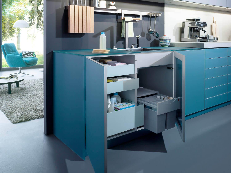 Blaue Kuche Mit Grauer Wandfarbe Ideen Bilder Von Leicht