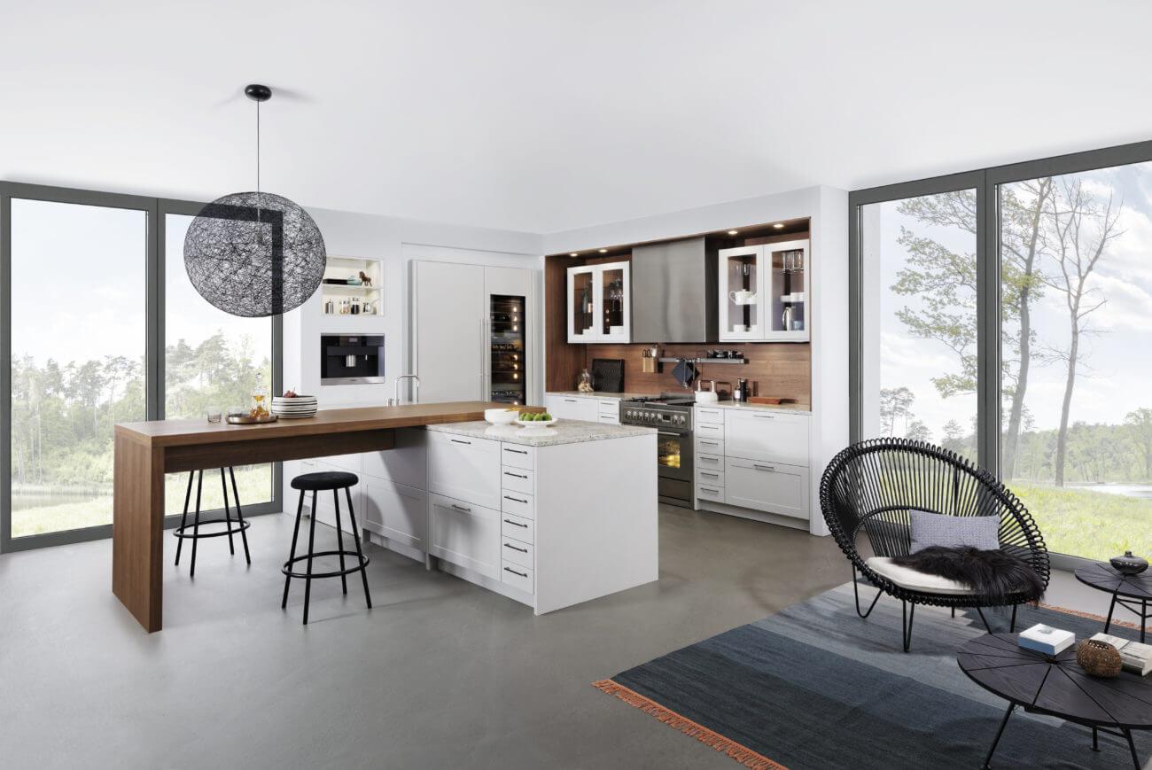 Küche in U-Form mit Theke; Foto: Leicht Küchen