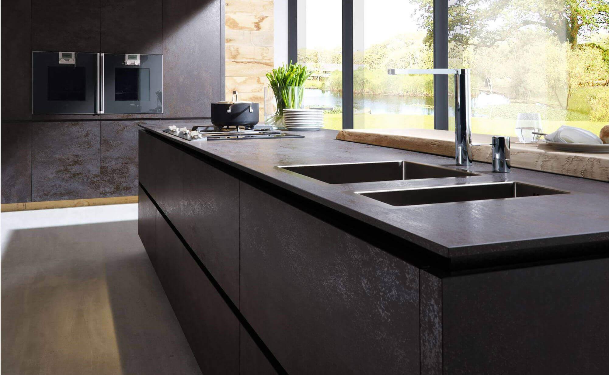 Gut gemocht Arbeitsplatte aus Keramik: Vorteile und Nachteile, Reinigung und TS07