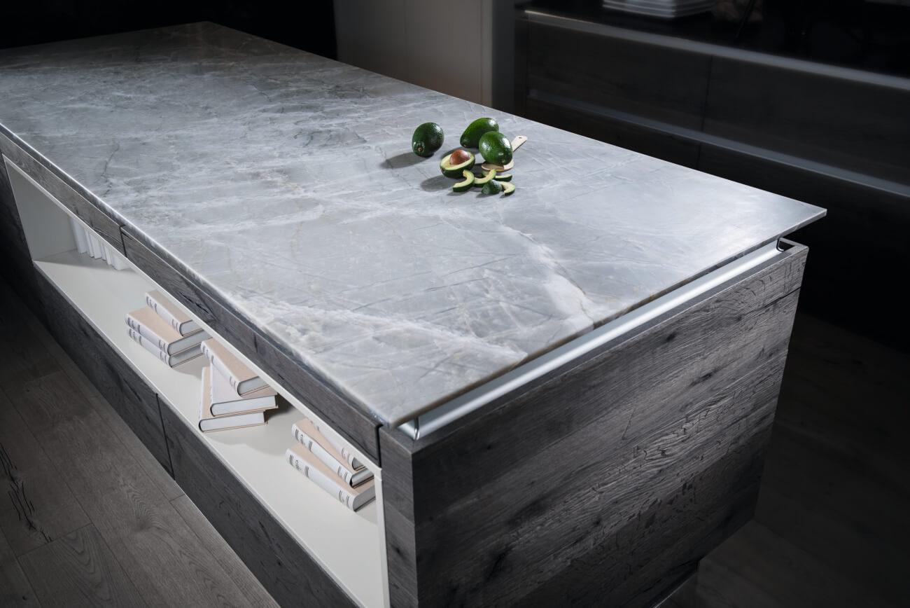 Naturstein Supreme Linie White Mistral Leather Look; Foto: Strasser Steine