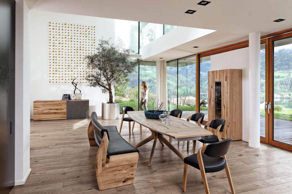 Rustikale Design-Möbel für das Esszimmer; Foto: Voglauer
