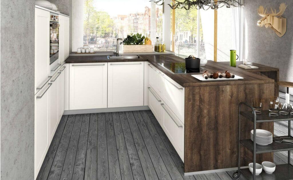 Alno Küche mit Holz