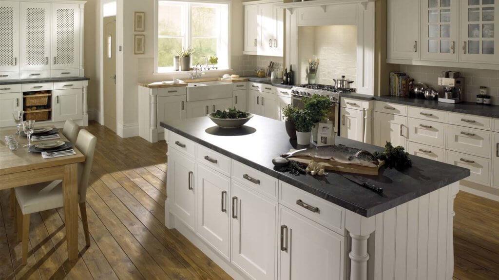 Landhausküche im skandinavischen Stil; Foto: Sheraton