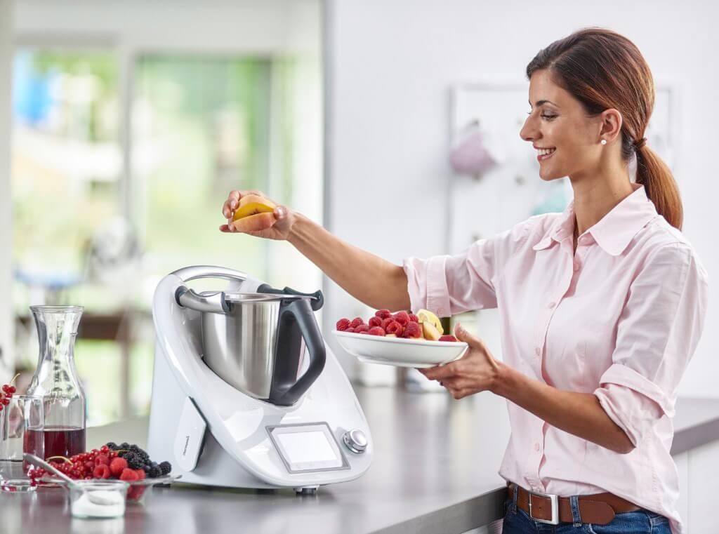 Das Kochen mit dem Thermomix ist einfach und mit wenig Aufwand verbunden; Foto: Vorwerk