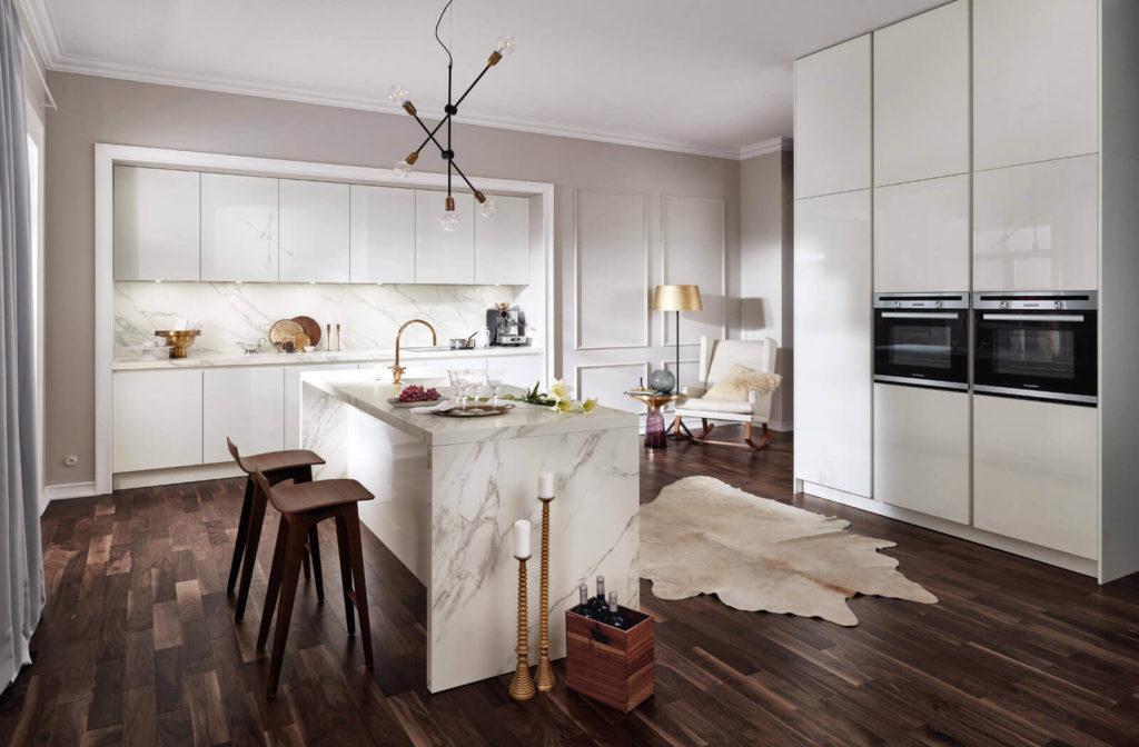 Häcker Küche 2030 GL Weiß Hochglanz Lack; Foto: Häcker Küchen