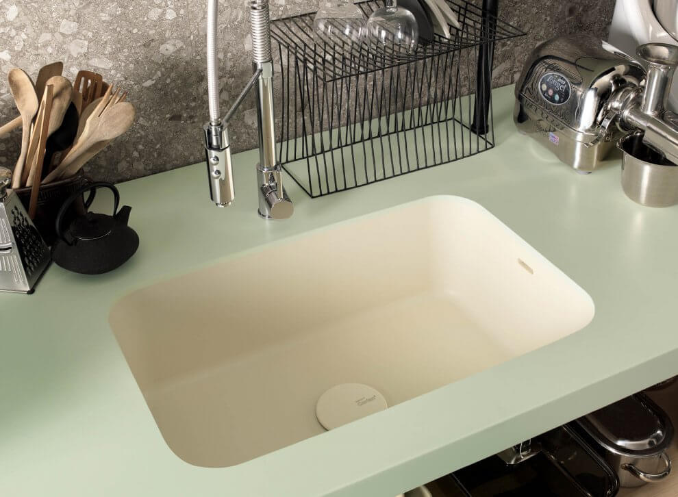 Mint Küchenarbeitsplatte aus Corian. Foto: Corian