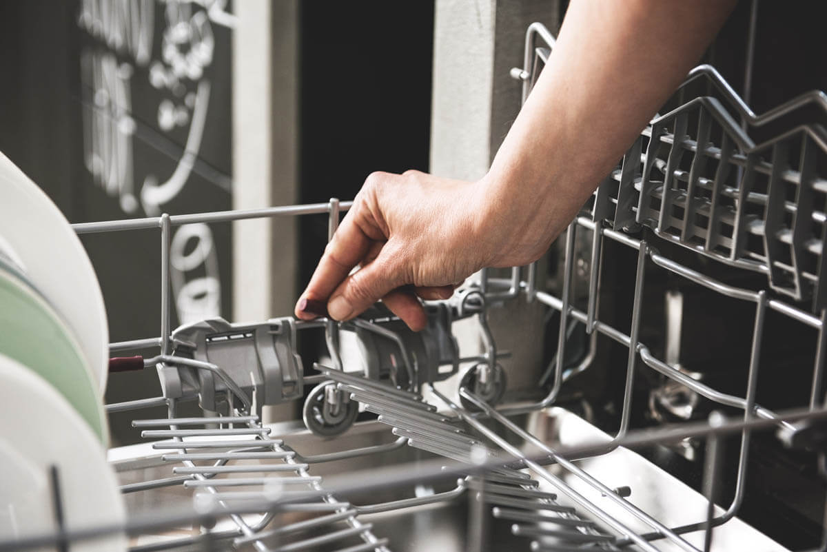 Der Geschirrkorb kann je nach Inhalt flexibel angepasst werden. Foto: Neff