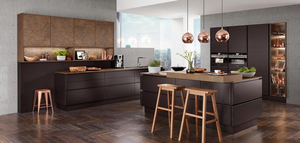 Nobilia Küche Touch 340 mit matten Fronten und Bronze Akzenten in der Preisgruppe 3; Foto: Nobilia