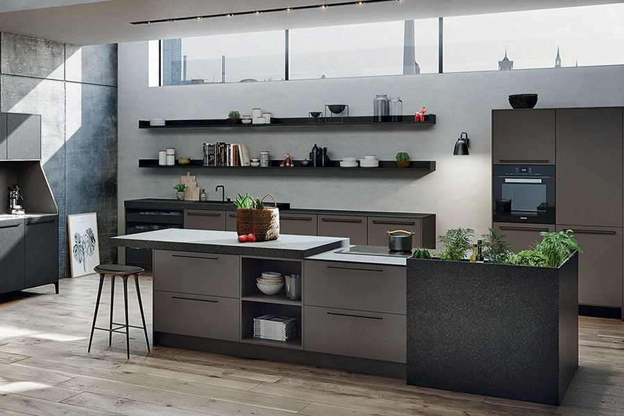 Urban Kitchen von SieMatic mit Nero Assoluto Foto: Architectural Digest