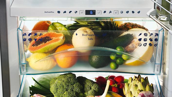Liebherr Kühlschrank mit BioFresh: Damit bleiben Obst und Gemüse länger frisch; Foto: Liebherr