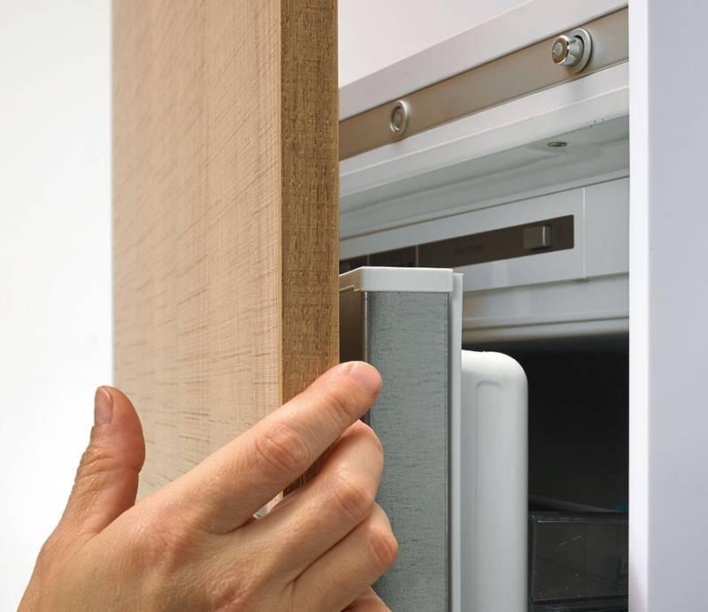 Easys Scharniere von Hettich für grifflose Kühlschranktüren