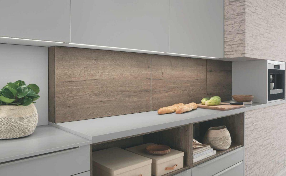 Nischenschränke von nobilia sorgen für extra Stauraum in der Küche; Foto: nobilia