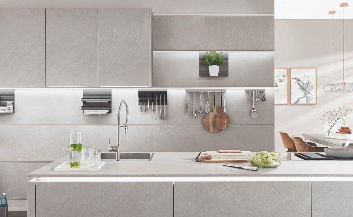 Küchenfronten und Nische aus einem Guss; Foto: nobilia