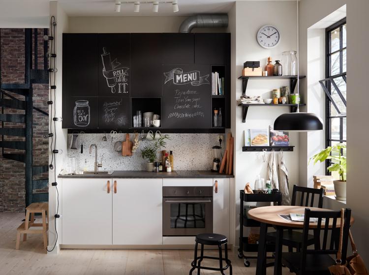 IKEA Küche mit Ledergriffe; Foto: IKEA