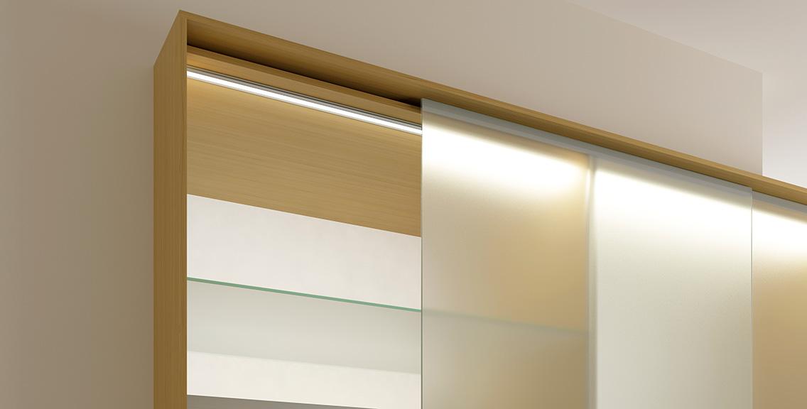 Beleuchtung der Küchenschränke durch spezielle Leuchten von GERA; Foto: GERA