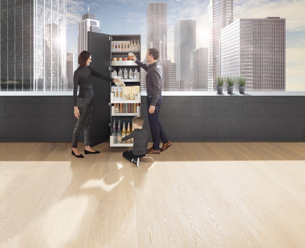 Space Tower kann flexibel in Höhe, Breite und Tiefe geplant werden, ideal abgestimmt auf die Bedürfnisse der Küchennutzer; Foto: Julius Blum GmbH