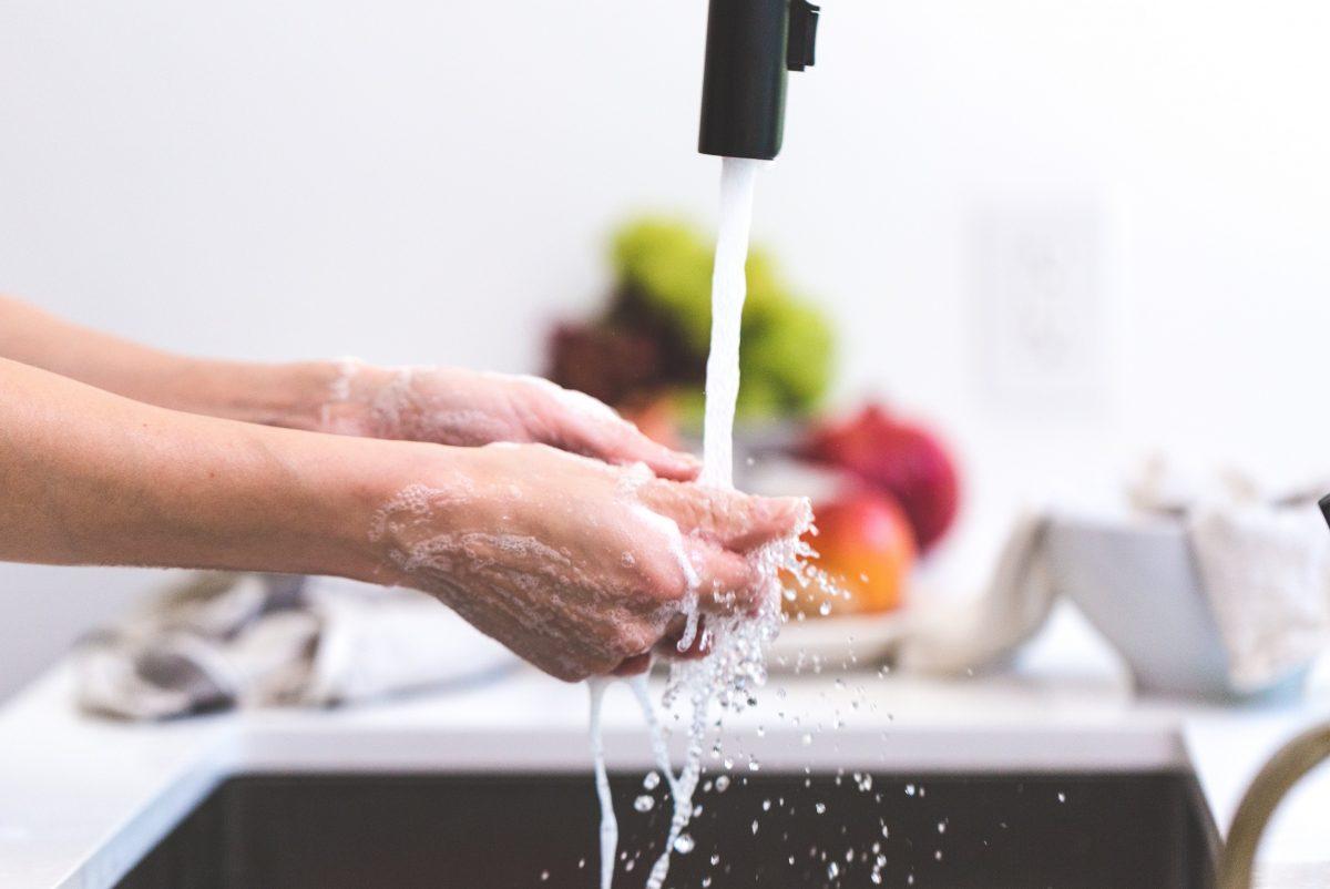 Mit unseren Tipps geht das Putzen noch schneller von Hand