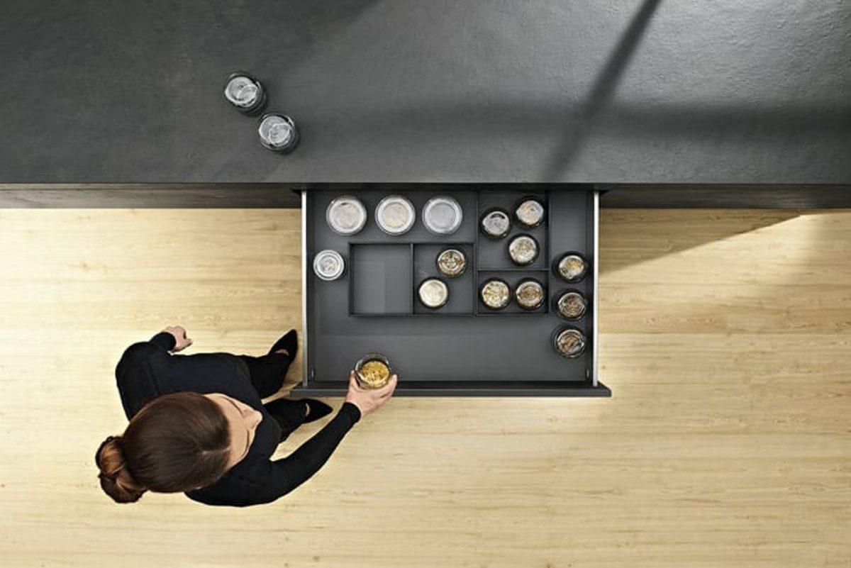 AMBIA-LINE Ordnungssystem für LEGRABOX von Blum; Foto: Julius Blum GmbH