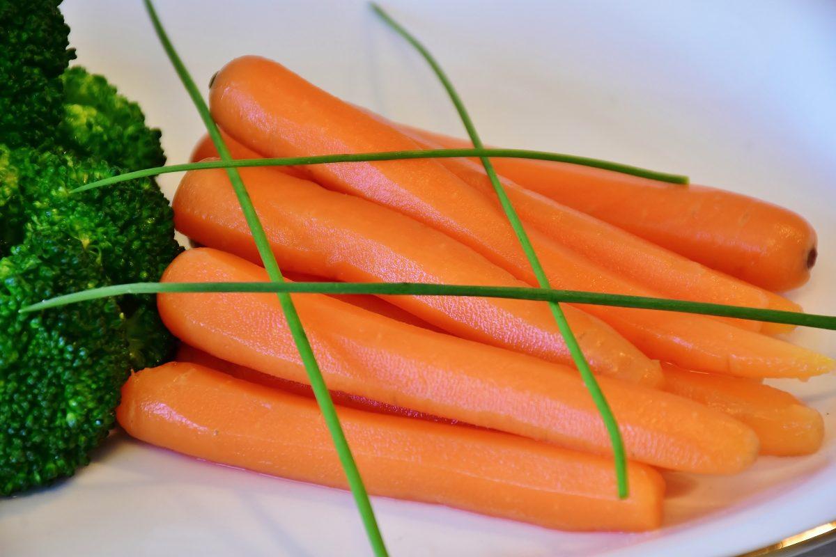 Blanchiertes Gemüse behält den Geschmack, Vitamine und eine schöne Farbe