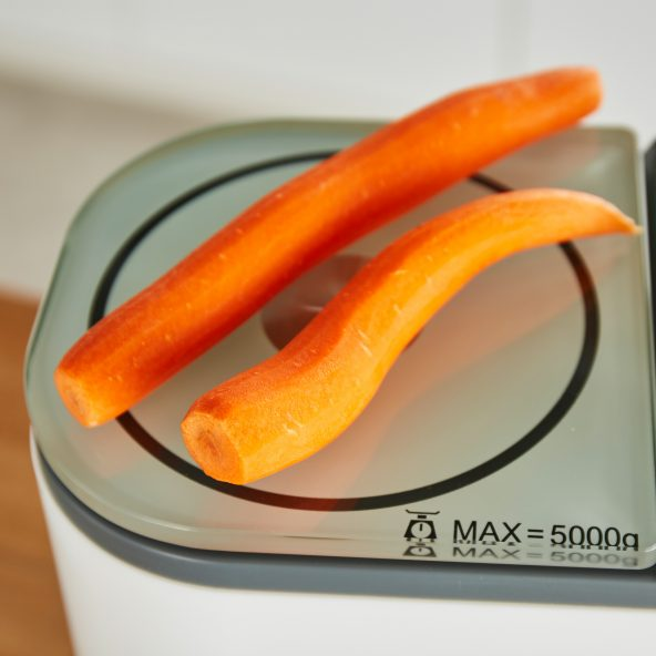Digitale Waage der Quigg Thermomix Alternative; Foto: Aldi Nord