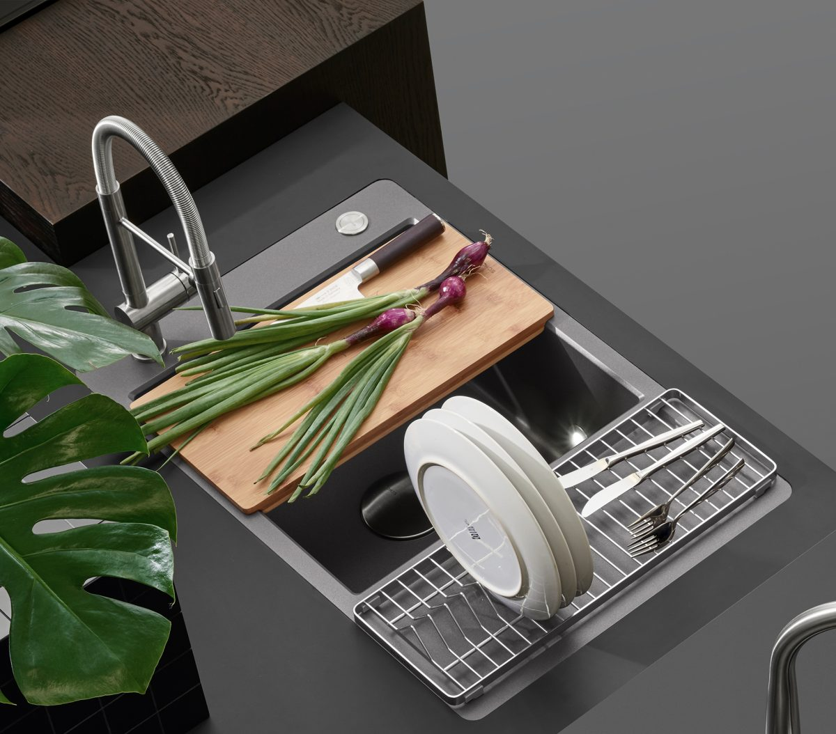 Küchenspüle Sina von SCHOCK erinnert an moderne Gastroküchen; Foto: SCHOCK