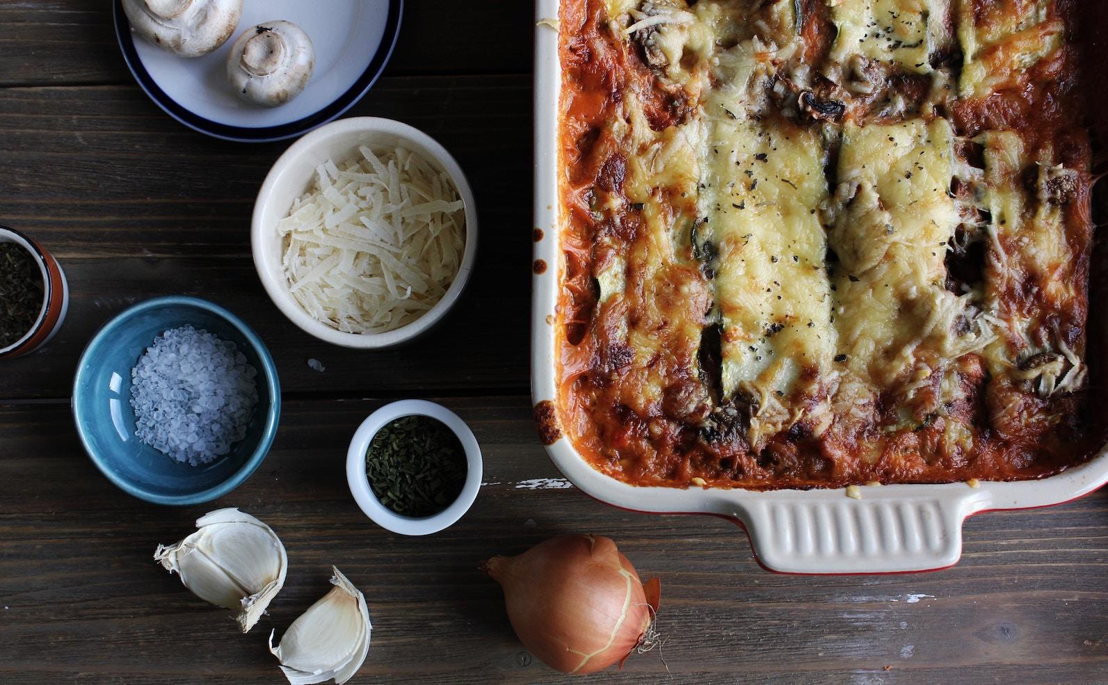 Wie lange braucht eine Lasagne im Backofen?
