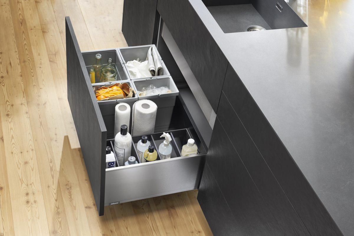 Der Vollauszug vereinfacht das Befüllen, Entleeren und Reinigen von Mülleimern wesentlich. Foto: Julius Blum GmbH
