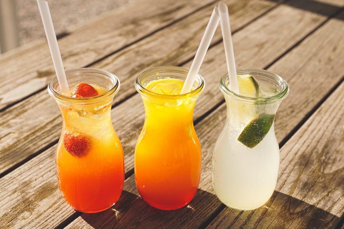 Trinkhalme aus Glas sind wiederverwendbar und nachhaltig