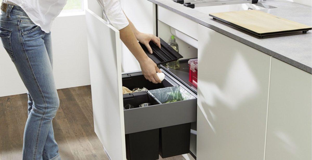Abfallsystem mit drei Kammern für den Spülenschrank von Blanco; Foto: Blanco