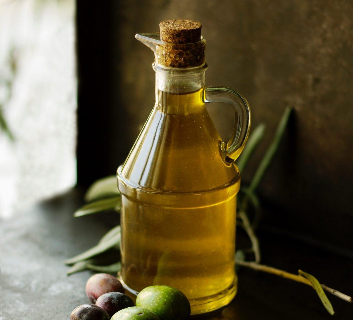 Olivenöl ist vielseitig einsetzbar und hält sich lange