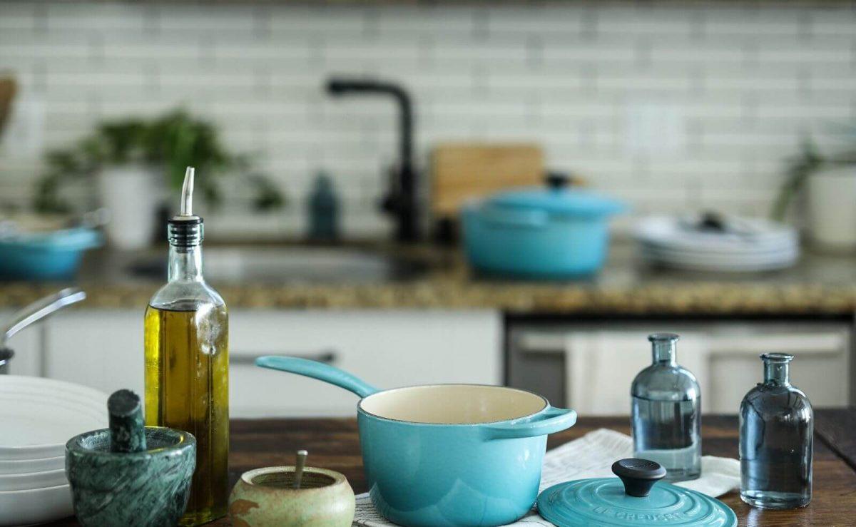 Suppe mit Olivenöl bedecken und so vor Keimen schützen