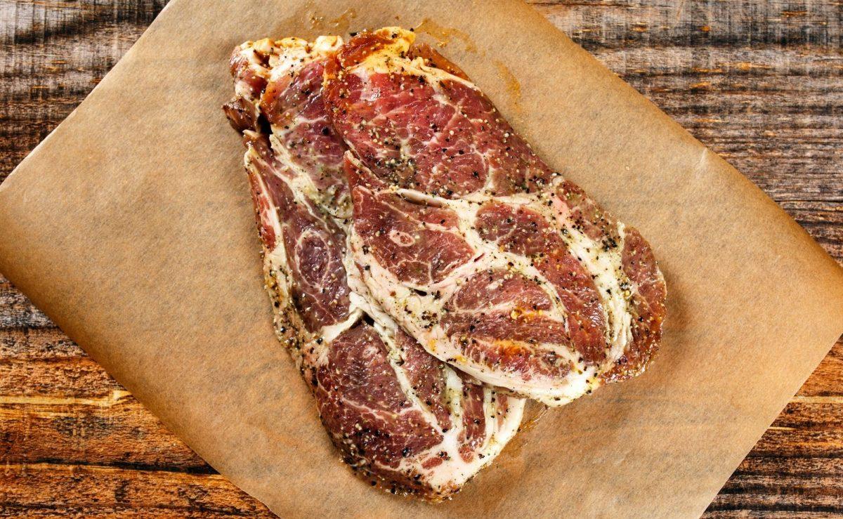 Das Geheimnis eines guten Pulled Pork ist die richtige Marinade und Geduld