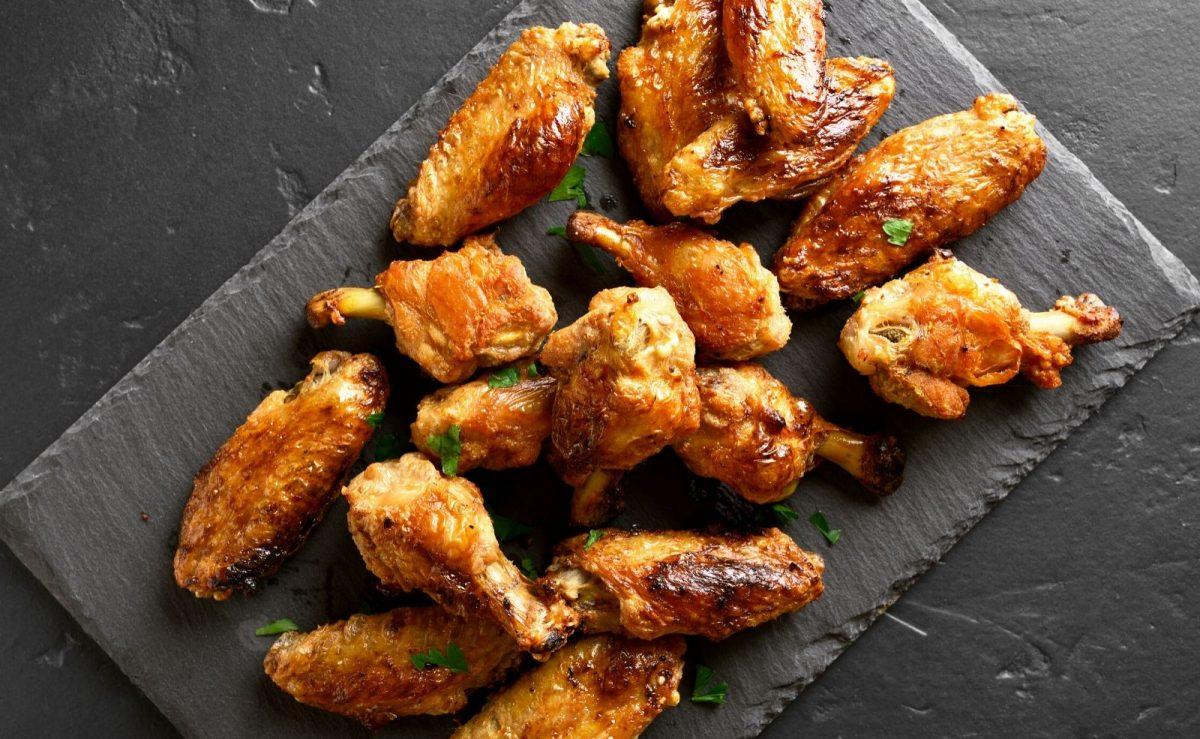 Putenfleisch und Hähnchen grillen