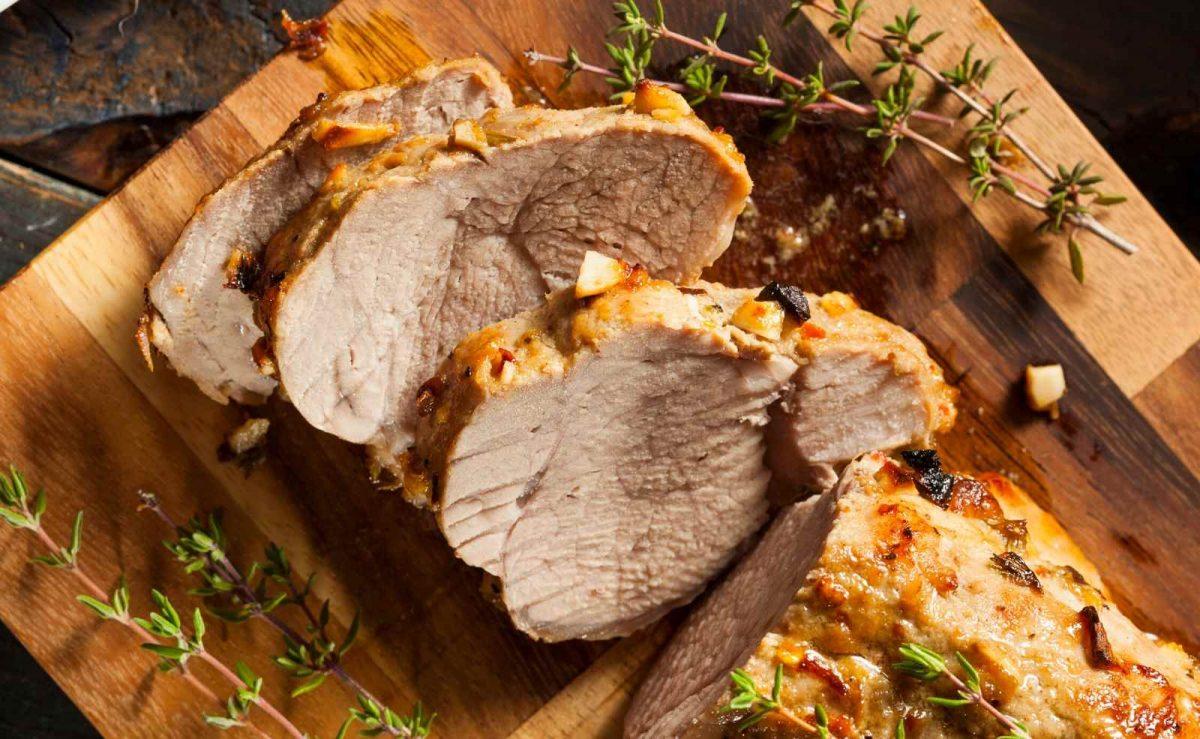 Schweinefilet schnell und einfach im Backofen zubereiten