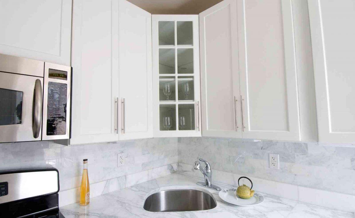 Schimmel an bzw. hinter den Küchenschränken