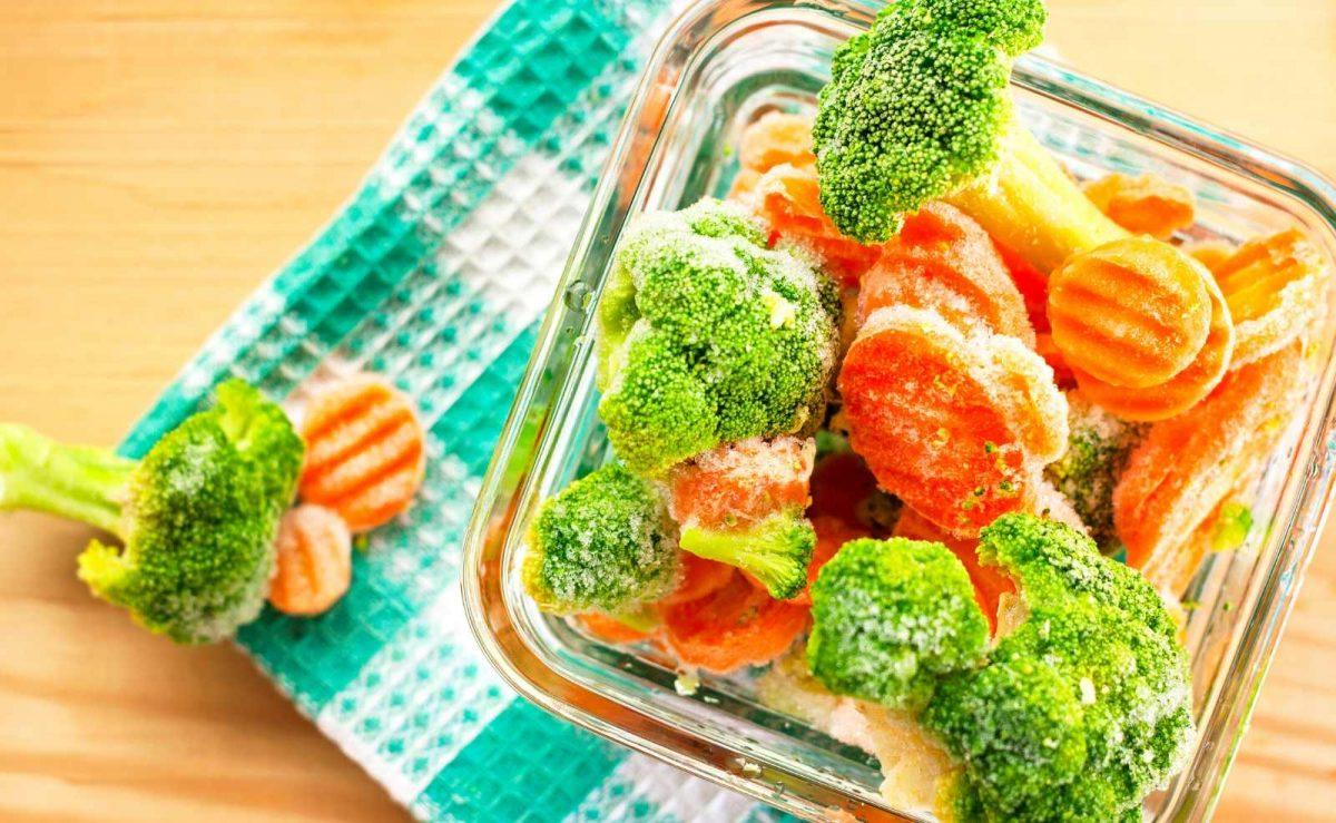 Plastikfrei einfrieren: Glasdosen eigenen sich perfekt fürs Einfrieren von Gemüse und Co