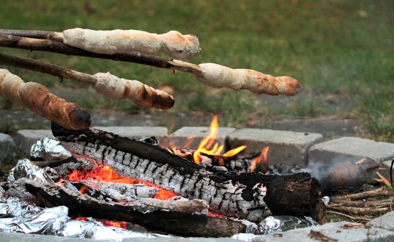 Stockbrot grillen Rezept Teig