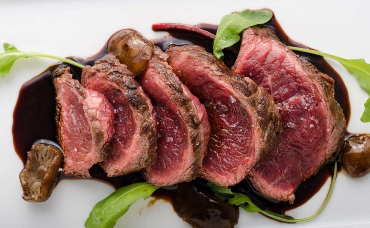 """Wer sein Steak """"rare"""" bevorzugt, mag es noch roh innerhalb"""